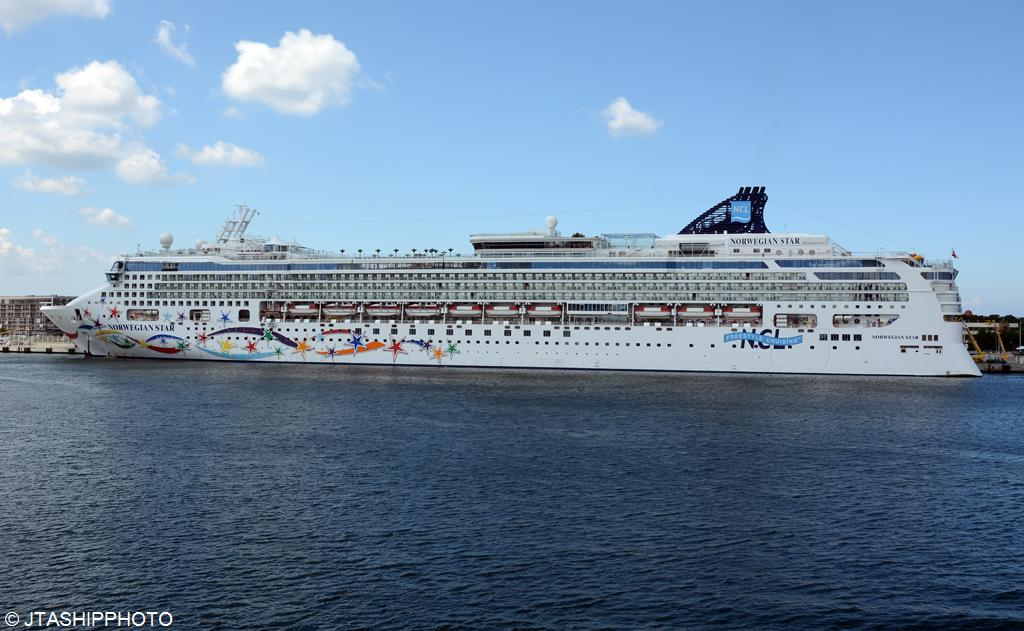 norwegian-star-4